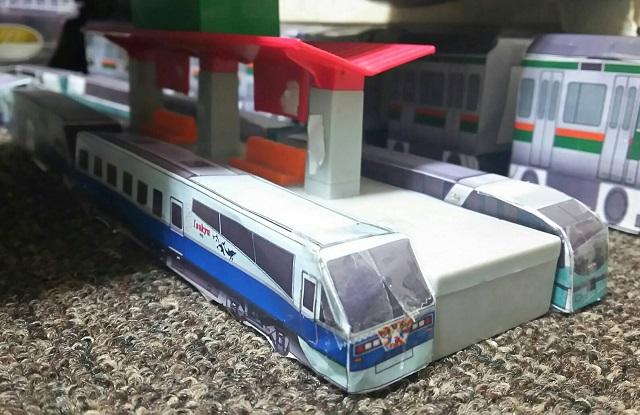ペーパークラフトの電車